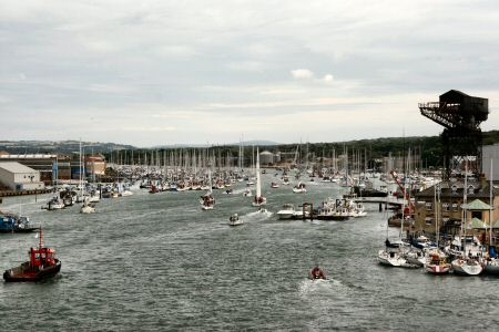 Its busy - the Medina, Cowes
