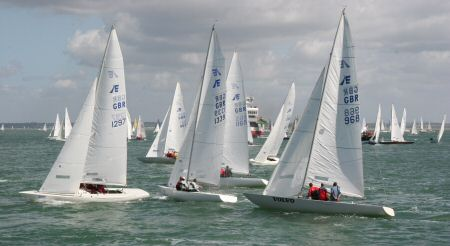 International Etchells cross tacking