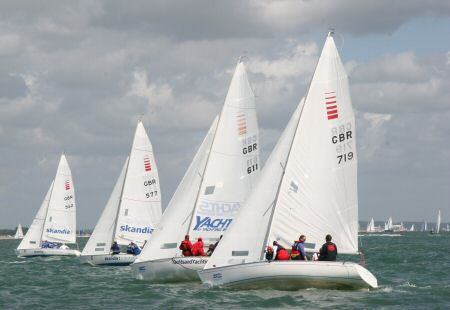Close racing in the Sonar fleet